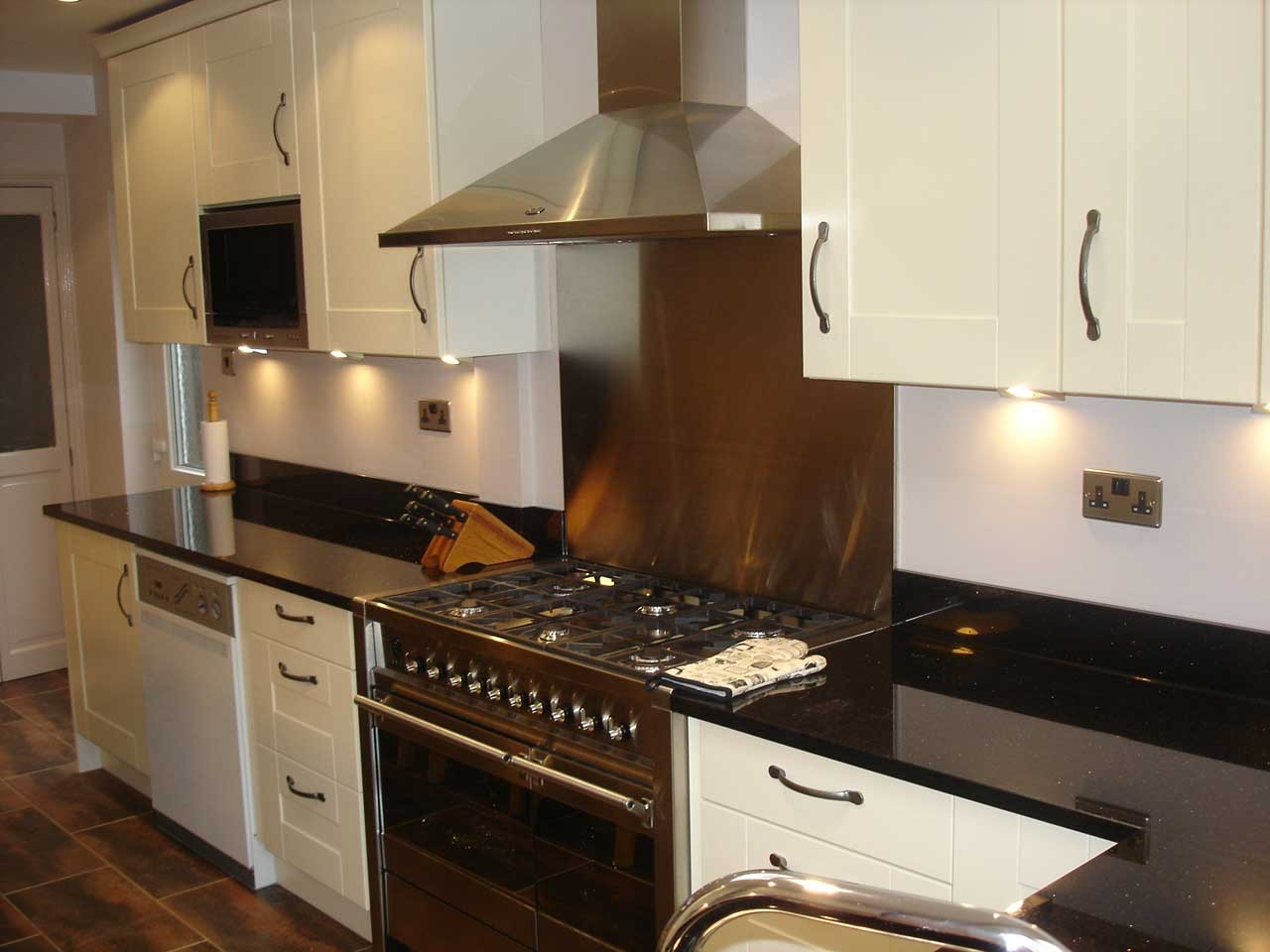 Kitchen Worktop Fitters In Leicester